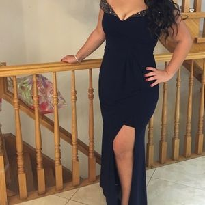 Xscape gown size 12 NWT navy off the shoulder